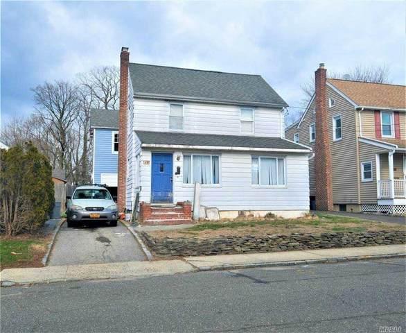 19 Donald Street, Roslyn Heights, NY 11577 (MLS #3282868) :: Cronin & Company Real Estate