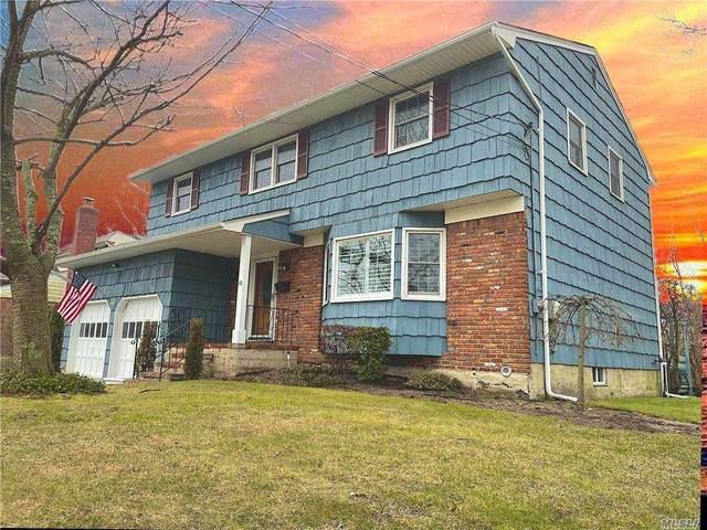 18 E Sequams Lane E, West Islip, NY 11795 (MLS #3283998) :: Cronin & Company Real Estate