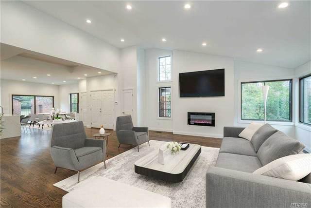 81 Estates Terrace N, Manhasset, NY 11030 (MLS #3285415) :: Mark Boyland Real Estate Team