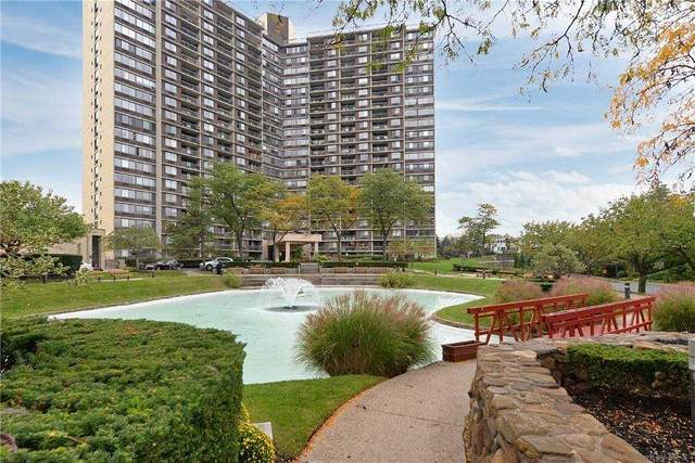 2 Bay Club Drive 11-X, Bayside, NY 11360 (MLS #3287807) :: Barbara Carter Team