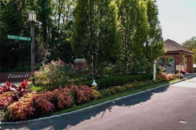 55 Estates Terrace N, Manhasset, NY 11030 (MLS #3290078) :: Mark Boyland Real Estate Team