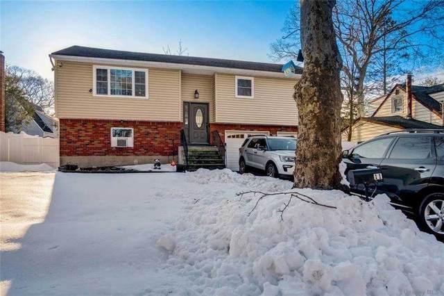 11 Nathan Place, Huntington Sta, NY 11746 (MLS #3291358) :: Signature Premier Properties