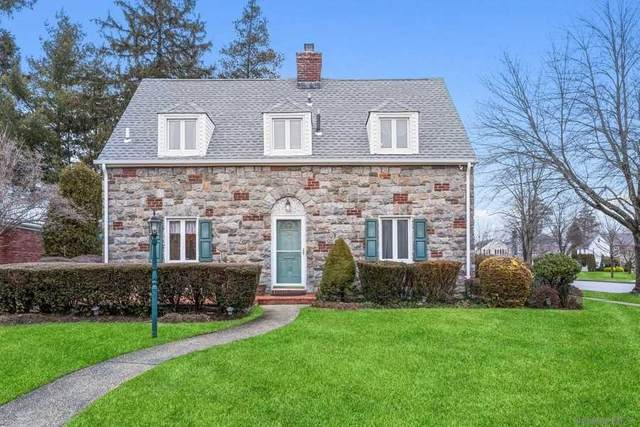 81 Huntington Road, Garden City, NY 11530 (MLS #3291701) :: Signature Premier Properties