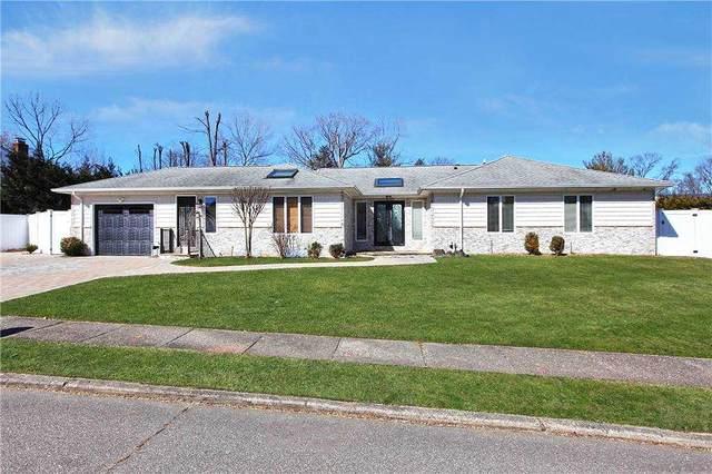 9 Broadoak Lane, Dix Hills, NY 11746 (MLS #3292726) :: Signature Premier Properties