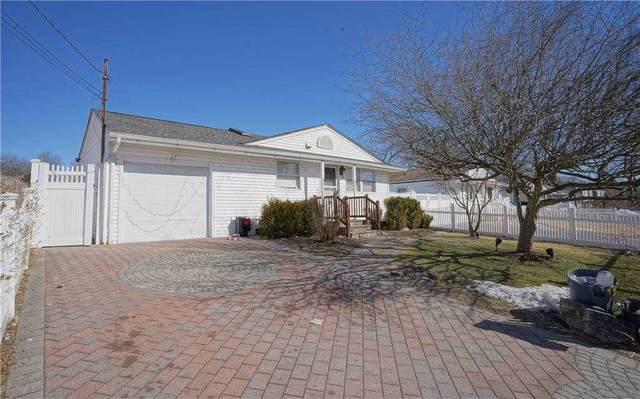 33 Leigh Street, Huntington, NY 11743 (MLS #3292826) :: Signature Premier Properties