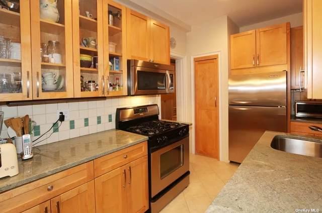 8 Barstow Rd 2M, Great Neck, NY 11021 (MLS #3294485) :: Barbara Carter Team