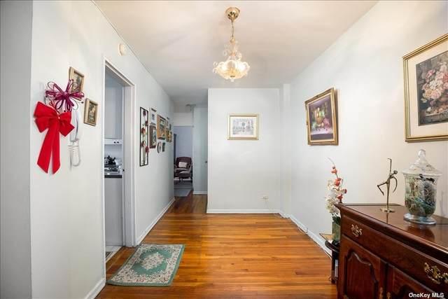 94-11 60th Avenue 4B, Elmhurst, NY 11373 (MLS #3294776) :: RE/MAX RoNIN