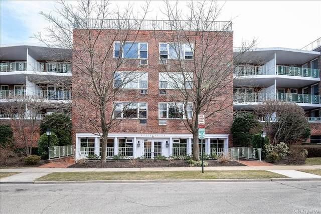21 Chapel Place 2P, Great Neck, NY 11021 (MLS #3294894) :: Howard Hanna | Rand Realty