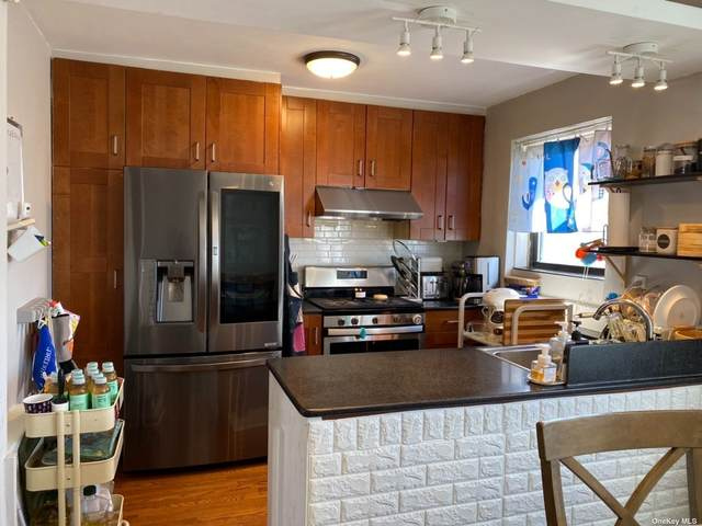 67-32 136 Street, Kew Garden Hills, NY 11367 (MLS #3297688) :: Carollo Real Estate