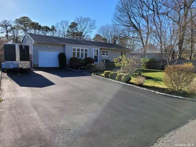 44 Maple Avenue, Bellport, NY 11713 (MLS #3298676) :: Carollo Real Estate