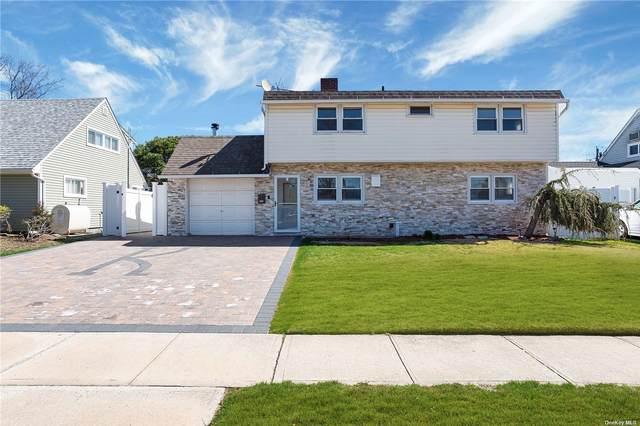 39 W Cabot Lane, Westbury, NY 11590 (MLS #3299552) :: Signature Premier Properties