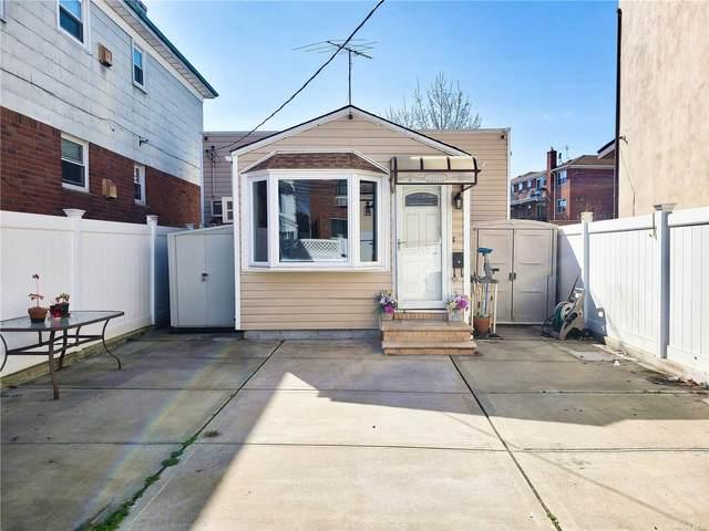 66-66 70th Street, Middle Village, NY 11379 (MLS #3299739) :: Carollo Real Estate