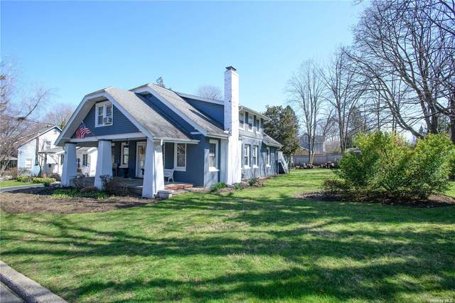 30 Sterling Court, Huntington, NY 11743 (MLS #3300226) :: Frank Schiavone with William Raveis Real Estate