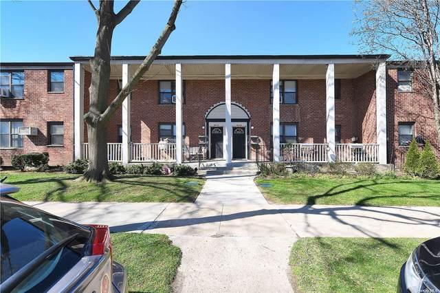 69-52 197 Street 2 FL, Fresh Meadows, NY 11365 (MLS #3300261) :: Carollo Real Estate