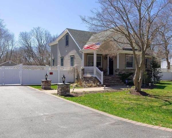 14 Lincoln Avenue, Smithtown, NY 11787 (MLS #3300589) :: Keller Williams Points North - Team Galligan