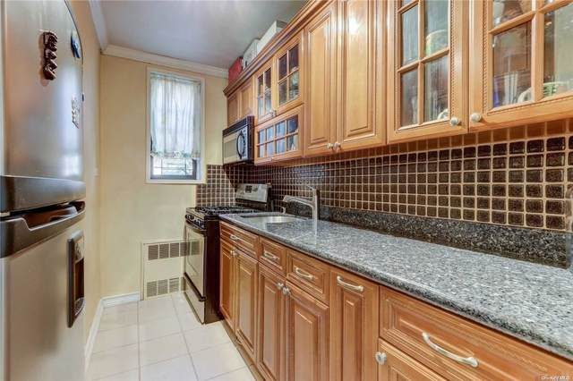 141-05 Pershing Cres #218, Briarwood, NY 11435 (MLS #3300998) :: Frank Schiavone with William Raveis Real Estate