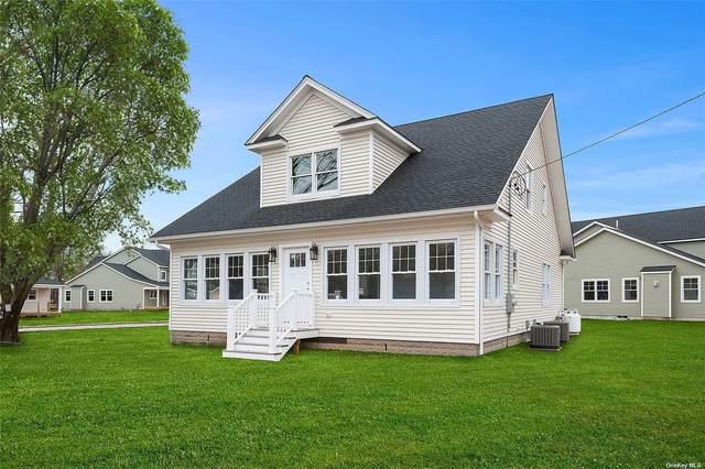 450 Middle Road #1, Riverhead, NY 11901 (MLS #3301504) :: Barbara Carter Team