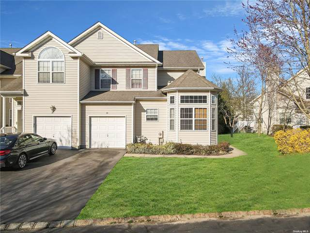 35 Cranberry Circle, Medford, NY 11763 (MLS #3302137) :: Nicole Burke, MBA | Charles Rutenberg Realty