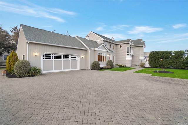 211 E Bayberry Road, Islip, NY 11751 (MLS #3302640) :: Kendall Group Real Estate | Keller Williams