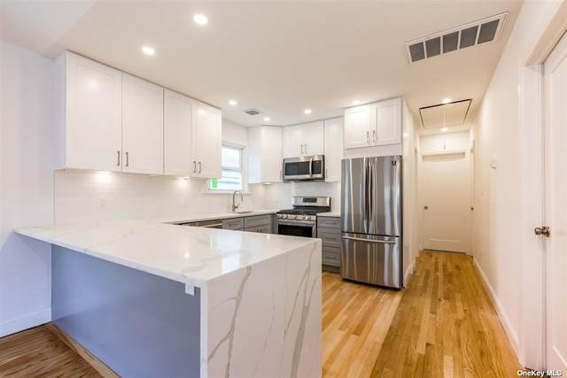 75 Oswego, E Atlantic Beach, NY 11561 (MLS #3303995) :: Signature Premier Properties