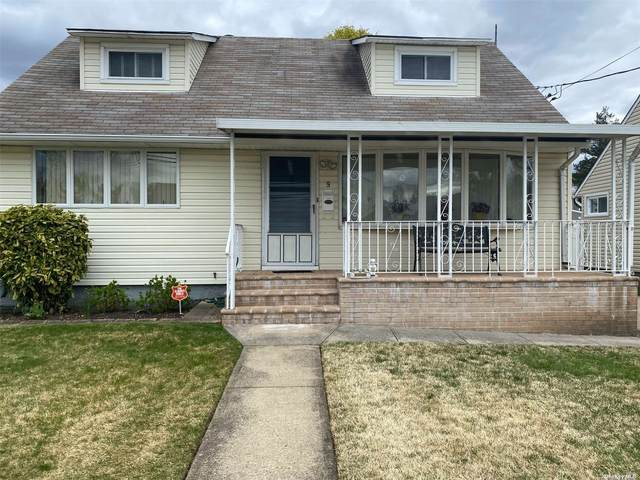 9 Wilfred Boulevard, Hicksville, NY 11801 (MLS #3304463) :: The Home Team