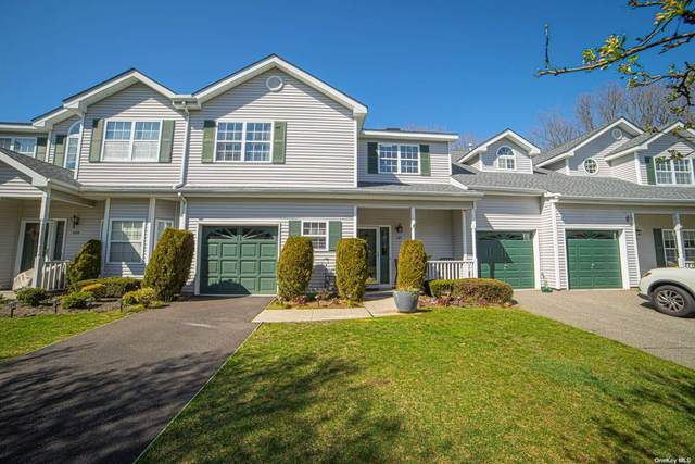 147 Willow Wood Drive, Oakdale, NY 11769 (MLS #3304482) :: The Home Team