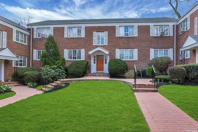 42 Nathan Hale Drive 30B, Huntington, NY 11743 (MLS #3304483) :: The Home Team