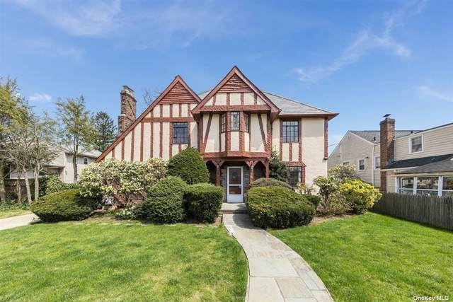 421 N Long Beach Road, Rockville Centre, NY 11570 (MLS #3304549) :: Frank Schiavone with William Raveis Real Estate