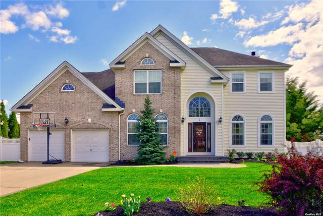 4 Independence Way, Miller Place, NY 11764 (MLS #3304587) :: Signature Premier Properties