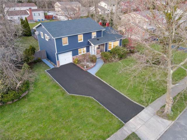 28 Stonywood Drive, Commack, NY 11725 (MLS #3304935) :: RE/MAX RoNIN