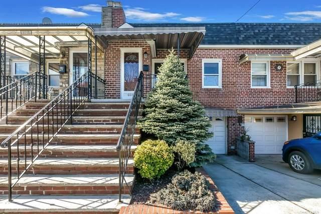 Maspeth, NY 11378 :: Cronin & Company Real Estate