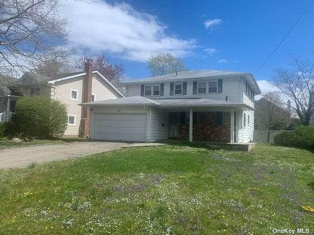 131 Cow Neck Road, Port Washington, NY 11050 (MLS #3305663) :: Cronin & Company Real Estate