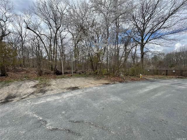 Maple Lane, Medford, NY 11763 (MLS #3305694) :: Signature Premier Properties