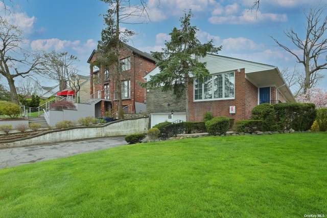 Holliswood, NY 11423 :: Signature Premier Properties