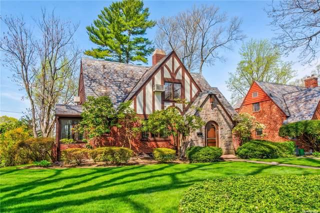51 Tain Drive, Great Neck, NY 11021 (MLS #3305926) :: Cronin & Company Real Estate