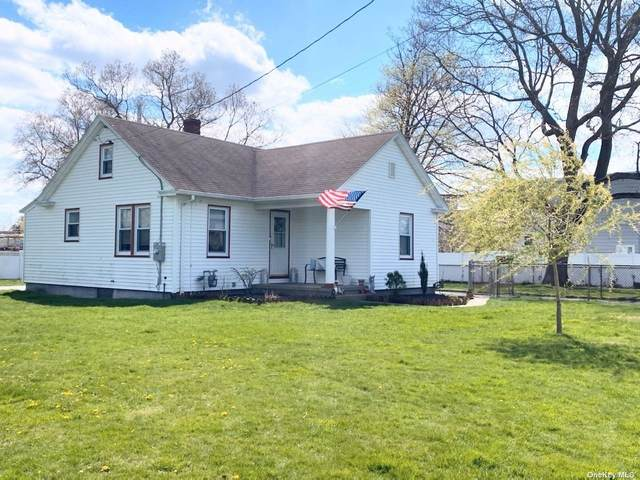 8 Jefferson Street, East Islip, NY 11730 (MLS #3306026) :: Cronin & Company Real Estate