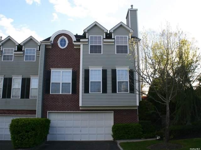141 Paddington Circle, Smithtown, NY 11787 (MLS #3306340) :: McAteer & Will Estates | Keller Williams Real Estate