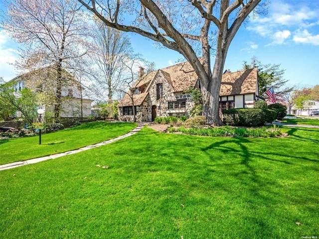 101 Long Drive, Hempstead, NY 11550 (MLS #3306947) :: Signature Premier Properties