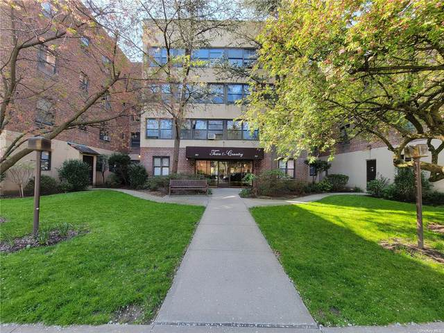40 Schenck Avenue 3H, Great Neck, NY 11021 (MLS #3307023) :: Carollo Real Estate