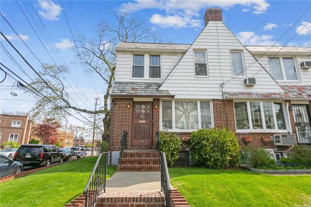 65-01 77 Place, Middle Village, NY 11379 (MLS #3307306) :: Carollo Real Estate
