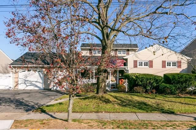 233 Oak Street, Massapequa Park, NY 11762 (MLS #3307975) :: Signature Premier Properties