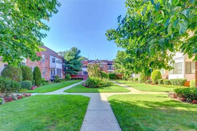 284 Central Avenue, Lawrence, NY 11559 (MLS #3308097) :: Goldstar Premier Properties