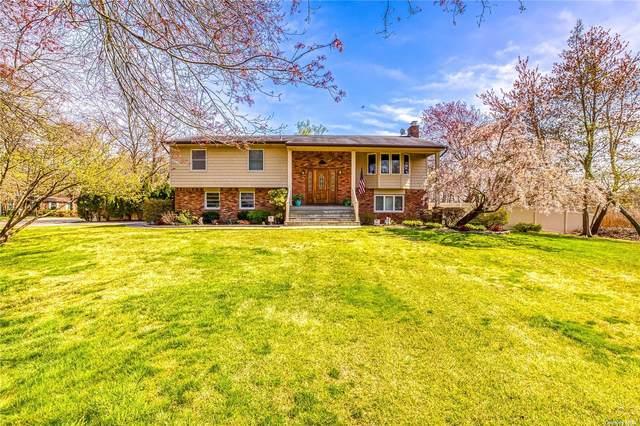 50 Oceanview Avenue, Oakdale, NY 11769 (MLS #3308624) :: Cronin & Company Real Estate