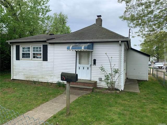 632 Roman Avenue, Westbury, NY 11590 (MLS #3309626) :: Cronin & Company Real Estate