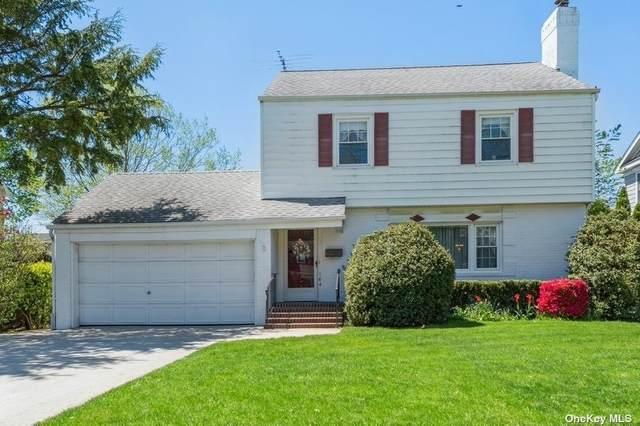 164 Meadbrook Road, Garden City, NY 11530 (MLS #3309699) :: Signature Premier Properties