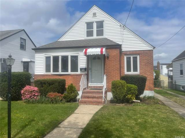 964 Hillside Boulevard, New Hyde Park, NY 11040 (MLS #3309814) :: Signature Premier Properties
