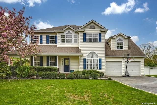 62 Timber Ridge Drive, Huntington, NY 11743 (MLS #3309886) :: Barbara Carter Team
