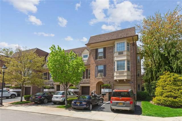 14-02 Bonnie Lane 79 M, Bayside, NY 11360 (MLS #3310048) :: Carollo Real Estate
