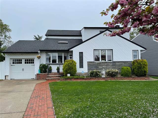 13 Shawnee Drive, Massapequa, NY 11758 (MLS #3310073) :: Cronin & Company Real Estate