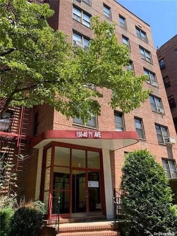 Kew Garden Hills, NY 11367 :: Cronin & Company Real Estate